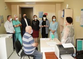 ეკატერინე ტიკარაძე ქედაში, ოჯახის ექიმებს შეხვდა და იმუნიზაციის მიმდინარეობას პირადად გაეცნო